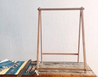 Weaving tools, loomy tools, weaving loom, Large Loom on stand, Frame Loom
