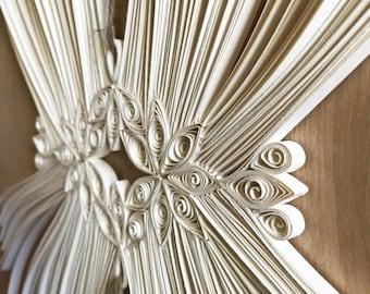 Papier Quilling / Tenture murale / Wall Sculpture en macramé sur papier / Wall Decor papier / macramé papier anniversaire