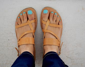 En cuir grecs sandales, sandales à bride arrière, sandales à la main cuir pleine fleur '' Tria''