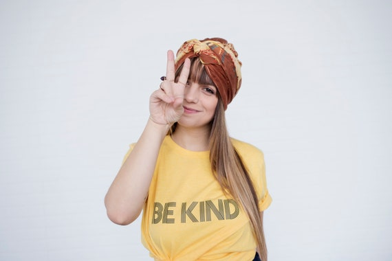 BE KIND Tee, Be Kind tshirt, Be Kind Tshirts, Be Kind Tops, Retro Be Kind, Be Kind Tees, Kindness Tops
