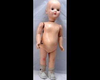"Wanda The Wonderful Walking Wind Up Doll with Key 18"""