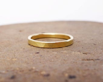 18k Gold Band Ring. 2mm 18k Gold Wedding Band. Hammered Rustic Unique Men's Women's Wedding Band. Solid Gold Wedding Ring. 18k Gold Jewelry