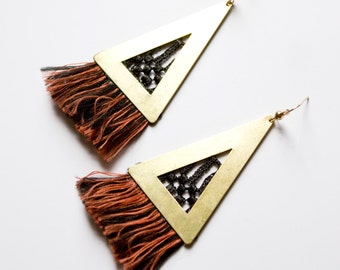 Lace earrings - SAYULITA - Ivory or black lace with fringe