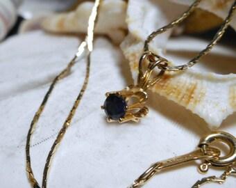 14k Blue Sapphire Buttercup Necklace w 16 inch 14k Chain  1.80g