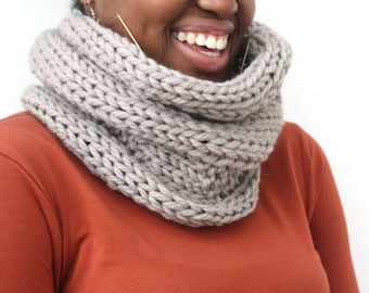 Wool snood, Taupe Wool Cowl, Handmade scarf, knitted snood, Chunky knit winter scarf, Winter accessory, unisex neckwarmer, gift for teen