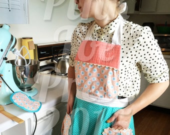 Retro Quilted Apron // DAISY // Vintage Style Apron // Coral Teal // Powder Blue // Reversible