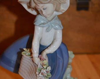 Lladro Woman with Purse
