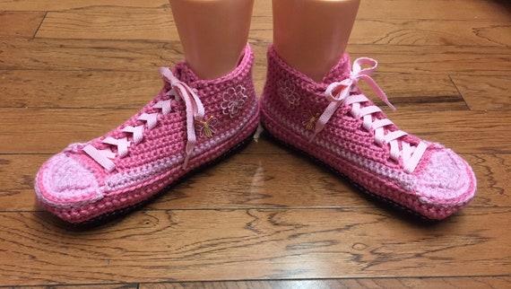crocheted pink crochet flower tennis butterfly sneakers slippers sneaker Womens slippers slippers tennis shoes 10 8 Crocheted shoes slippers AxpqzIq1