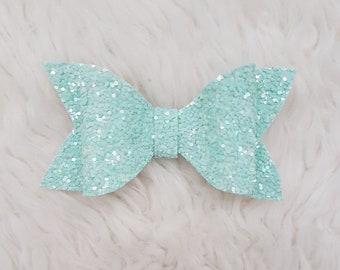 Baby girl hair clips - Peppermint Medium Size