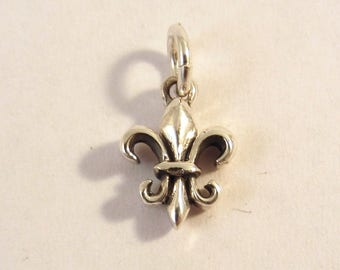 FLEUR DE LIS .925 Sterling Silver 3-D Charm Small Pendant France Paris French Travel Symbol Royalty New tr55