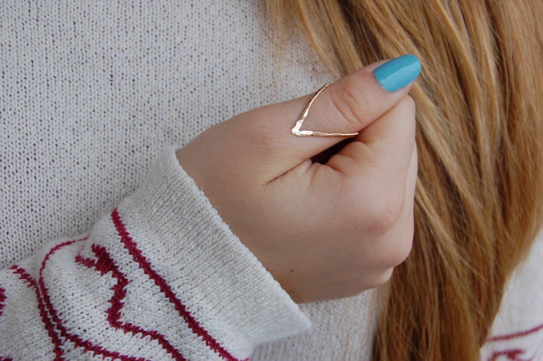 thumb ring ring V ring chevron ring thumb Silver v