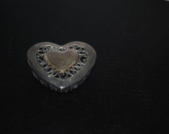 Beautiful Glass Heart Shaped Trinket Box With Metal Lid