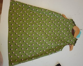 Girls green acorn print dress aged 5-7