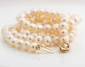 Mid Century Vintage Classic Freshwater Pearl Necklace with 14k Gold Clasp, VJ #183