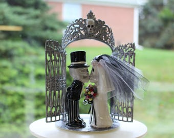 Bride and Groom Ghoul Cake Topper/ Skeleton Cake Topper/ Halloween/ Day of the Dead