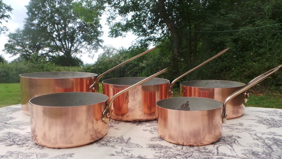 Copper Pans Made in France Set Five Vintage French 1.3-1.9mm Copper Graduated Pans Bronze Handles Refurbished Tin Perfect Balance Villedieu