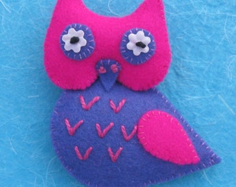 Simone the Owl Felt Pin Brooch