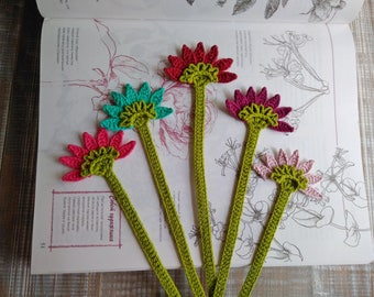 Librarian gift Cute bookmark Bookmark favors Custom bookmark Crochet bookmark Flower bookmark Botanical bookmark Bookworm gift ideas