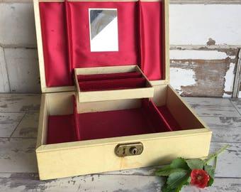 Vintage Locking Jewelry Box - Red and Ivory Mele- Medium Size