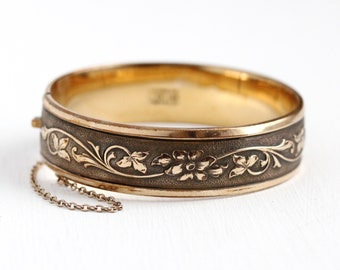 Vintage Flower Bangle - Victorian Revival 12k Rosy Yellow Gold Filled Floral Bracelet - 1940s Statement Repousse Vine Jewelry Signed Hayward