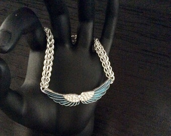 Chainmaille bracelet featuring angel wings, adjustable, Maille, guardian angel, blue, crystals