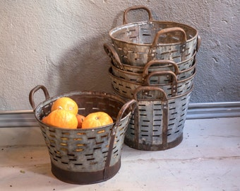 4 quantities of Small Rustic Metal Olive Bucket,Old Handmade bucket,Rustic Storage,Decorative Basket