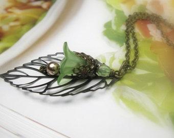 Green Leaf Necklace, Vintaj Brass Swarovski Copper Pearl Czech Glass Leaf Pendant Necklace, Botanical Gifts for Gardeners, Jewellery Jewelry