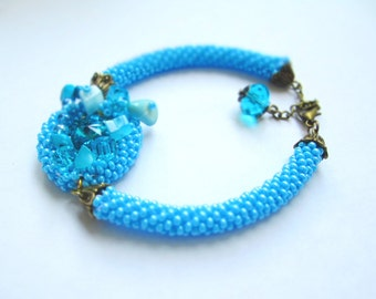 Turquoise blue beaded rope bracelet – seed bead crochet bracelet with turquoise and moonstone – light blue crochet seed bead rope bracelet