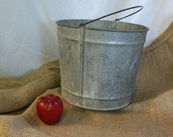 Vintage Rusty Bucket, Rustic Bucket, Rusted Bucket, Country Decor, Garden Decor, Farmhouse Decor, Galvanized Bucket, Rusty Pail