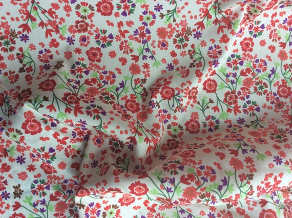 High quality cotton poplin printed in Japan, floral on off white