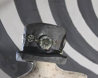 Bionic eye steampunk top hat