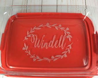 Personalized Pyrex baking dish, monogrammed bakeware, personalized casserole dish, engraved Pyrex