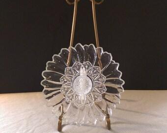 GLASS GARDEN FLOWER / Glass garden yard art / Glass flower / Glass garden stake / Glass garden totem / Glass garden flower décor/(36)