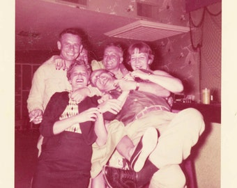 Vintage photo 1955 Kodacolor Life of the Party Laughing People at Bar