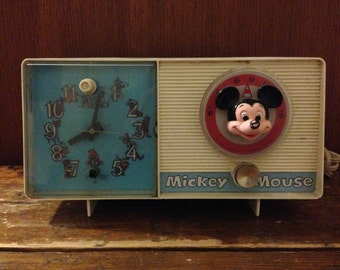 Vintage General Electric Youth Electronics Mickey Mouse Clock Radio