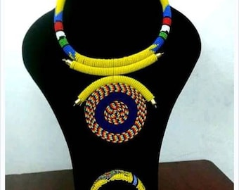 African Zulu beaded necklace-handmade choker necklace-masaai necklace-finebeads-women jewelry-ethnic jewelry-necklace with amatching bangle.