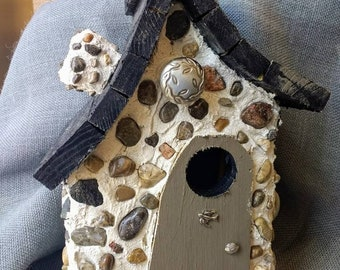 Rustic style stone birdhouse, outdoor or indoor, handmade in Michigan. Hanging wire included and easy clean out door. Fast Shipping.