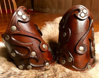 Leather Briarwood Short Bracers(dk brown) by Otherworld Sundries