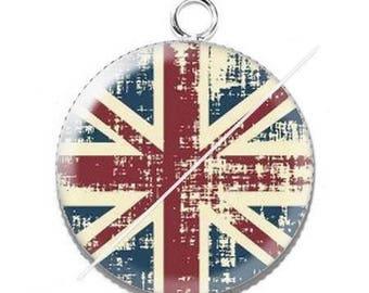 Cabochon resin london flag pendant 5