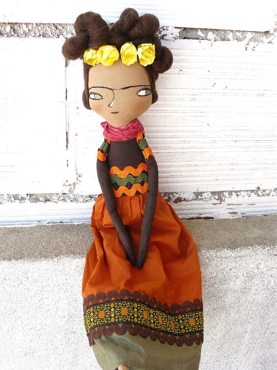 Frida Kahlo cloth doll. 42 cm.  Frida nº 18 2018 series.