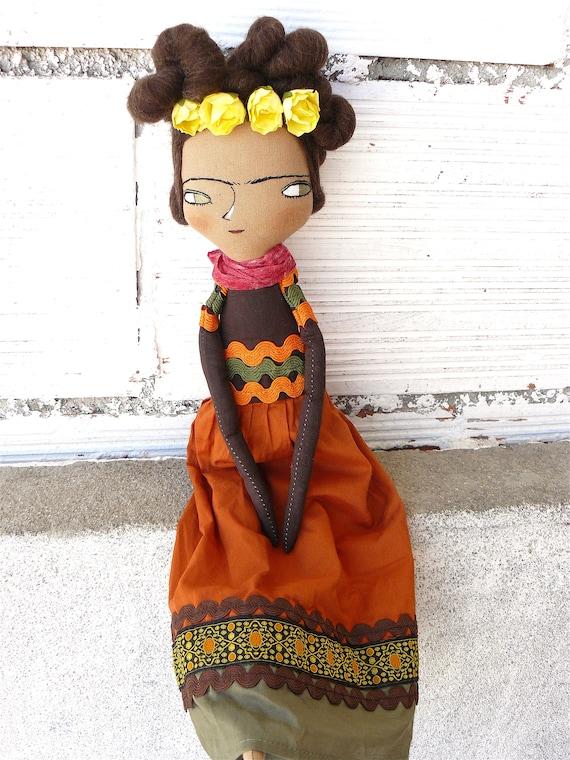 Frida Kahlo cloth doll. 42 cm.  Frida nº 18 2018 series.