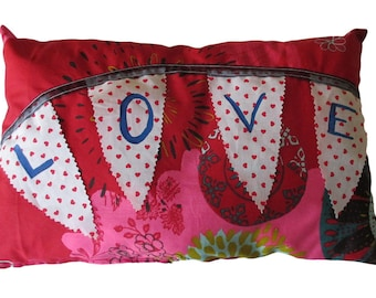 """""""Love"""" cushion in 100% cotton fabric made by hand."""