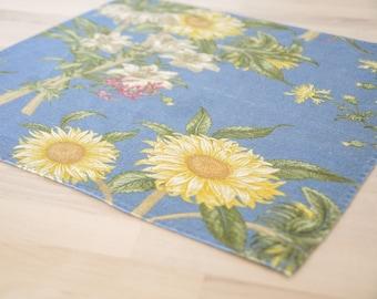 Sunflower Cloth Napkins • Floral Cotton Linen • Cornflower Blue Kitchen • Set of Six • Botanical Print illustration • Summer Picnic BBQ Dine