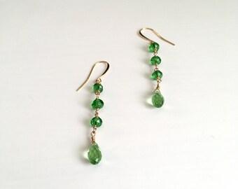 Green Earrings / Crystal Earrings / Gold Jewelry / Teardrop Earrings / Dangle Earrings / Gifts for Her / Birthday Gift / Bridesmaid Jewelry