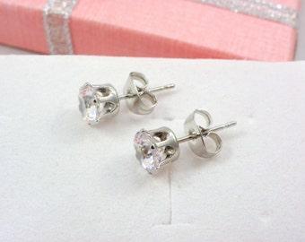 Bridesmaid gift, Zircon stud Earrings, Bridesmaid Crystal Stud Small Earrings, Cubic Zirconia Earrings, CZ Post Earrings, wedding earrings