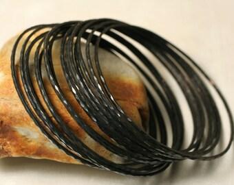 Stacking Bangle, Stacking Bracelets, Blackened Oxidized Brass Bangles, Hammered Bangles, Smal Size,  2 pcs (item ID BBBT60N)