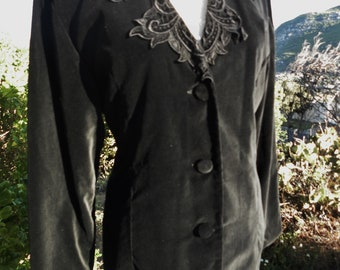 Black velvet vintage jacket,steampunk jacket, victorian jacket,  vampire jacket, evening jacket, lace detail collar, size uk 12, usa 10