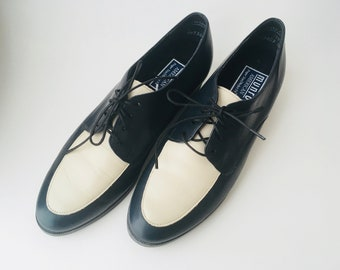 Munro American Leather Lace Up Shoes Size 7/Vintage Lace Up Shoes/Size 7 Shoes/Munro American/Navy Lace Up Shoes/Navy Colored Shoes