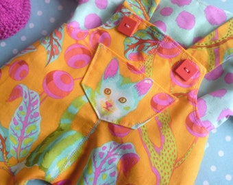 "Set ""Disco Kitty"" overalls for dolls of approximately 42 cm."