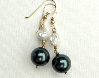 Tahitian Crystal White Keishi Pearls Monochrome Gold Earrings